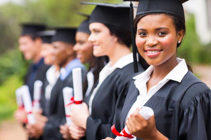 FINCAD Women Financial Scholarship